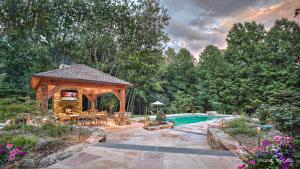 maryland pool house